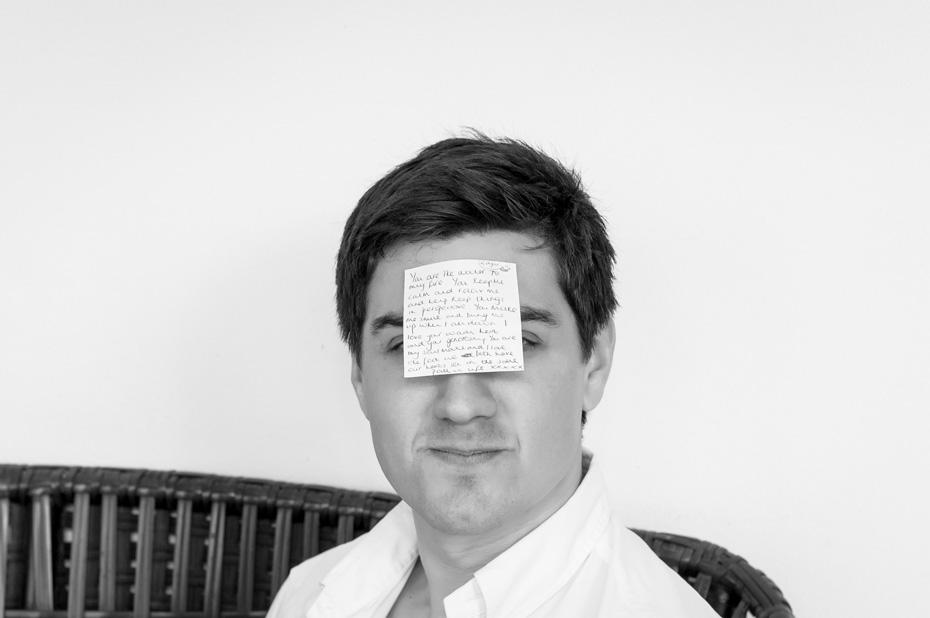 groom-portrait-postit-note-mijas