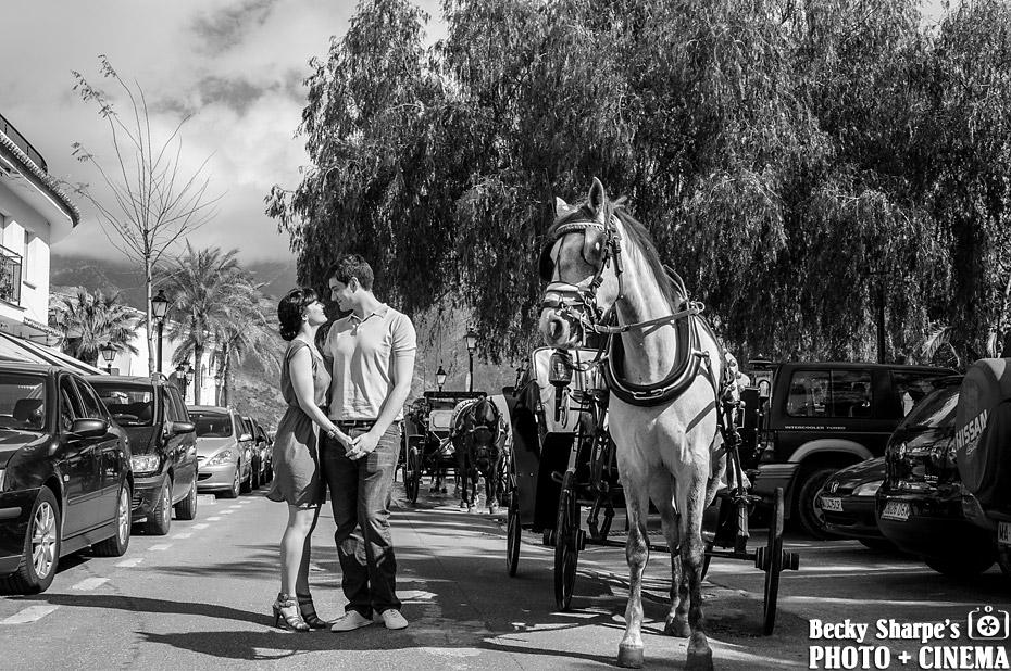 engagement-photography-mijas-horse